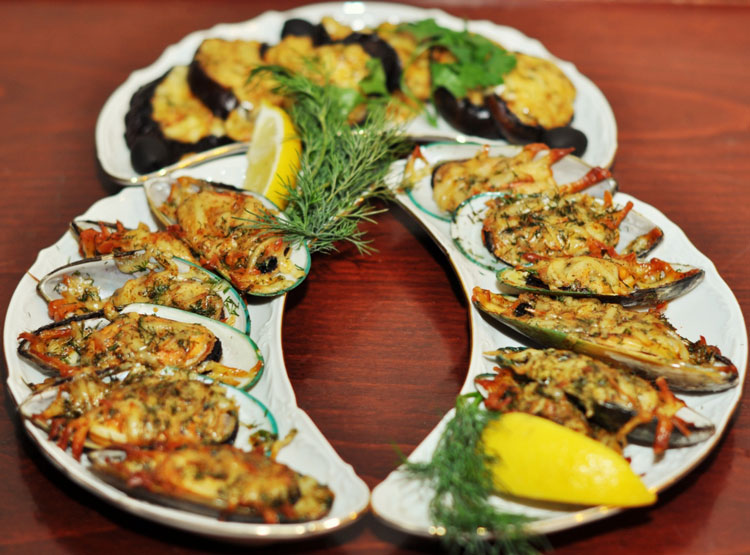 <Блюда ресторана в Доме Офицеров - Food in Restaurants and banquet halls of the House Officers in St. Petersburg